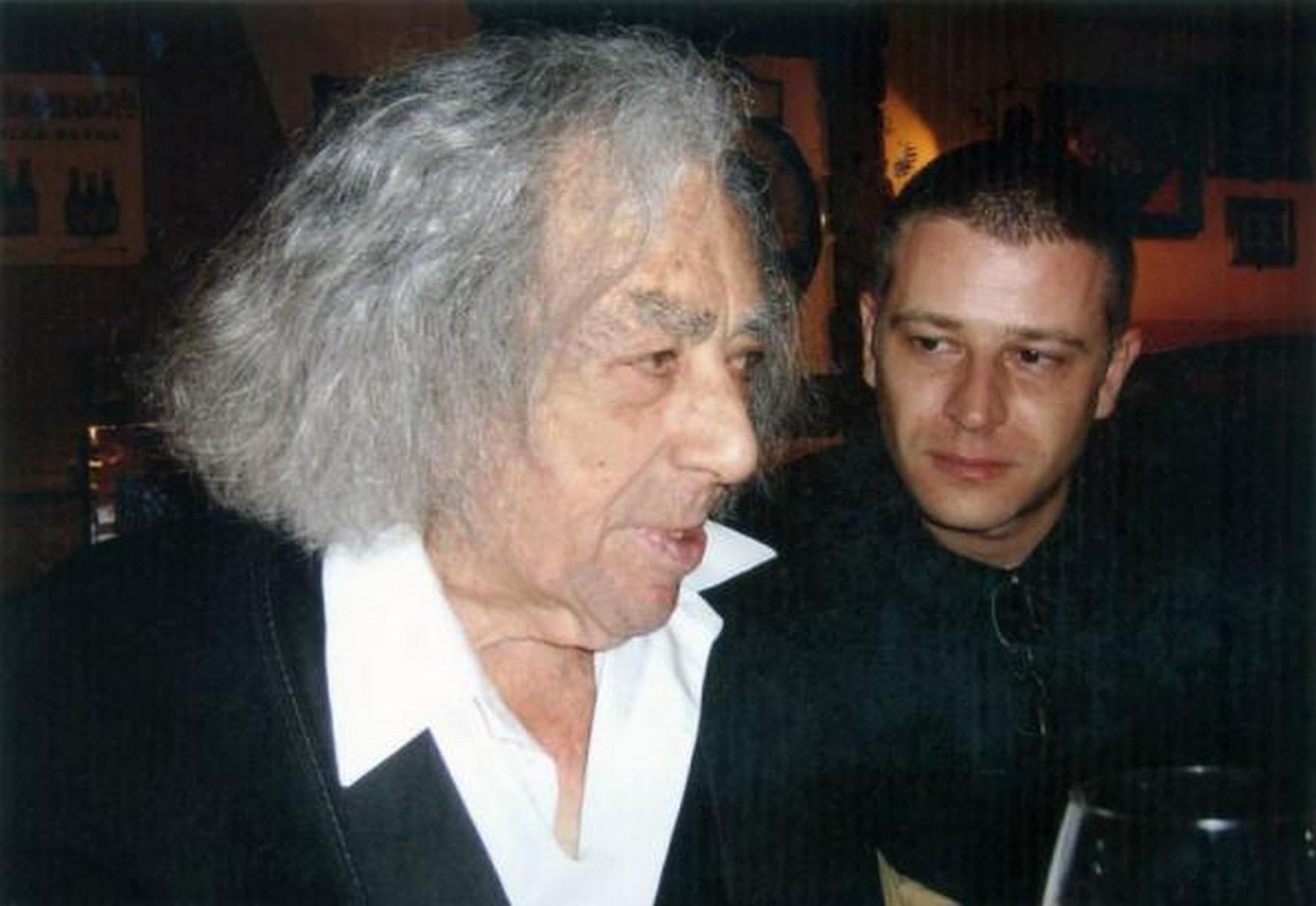 """""""Aki egyenarcú és szervilis, az nem is számít írónak"""" (interjú Orbán János Dénessel)"""
