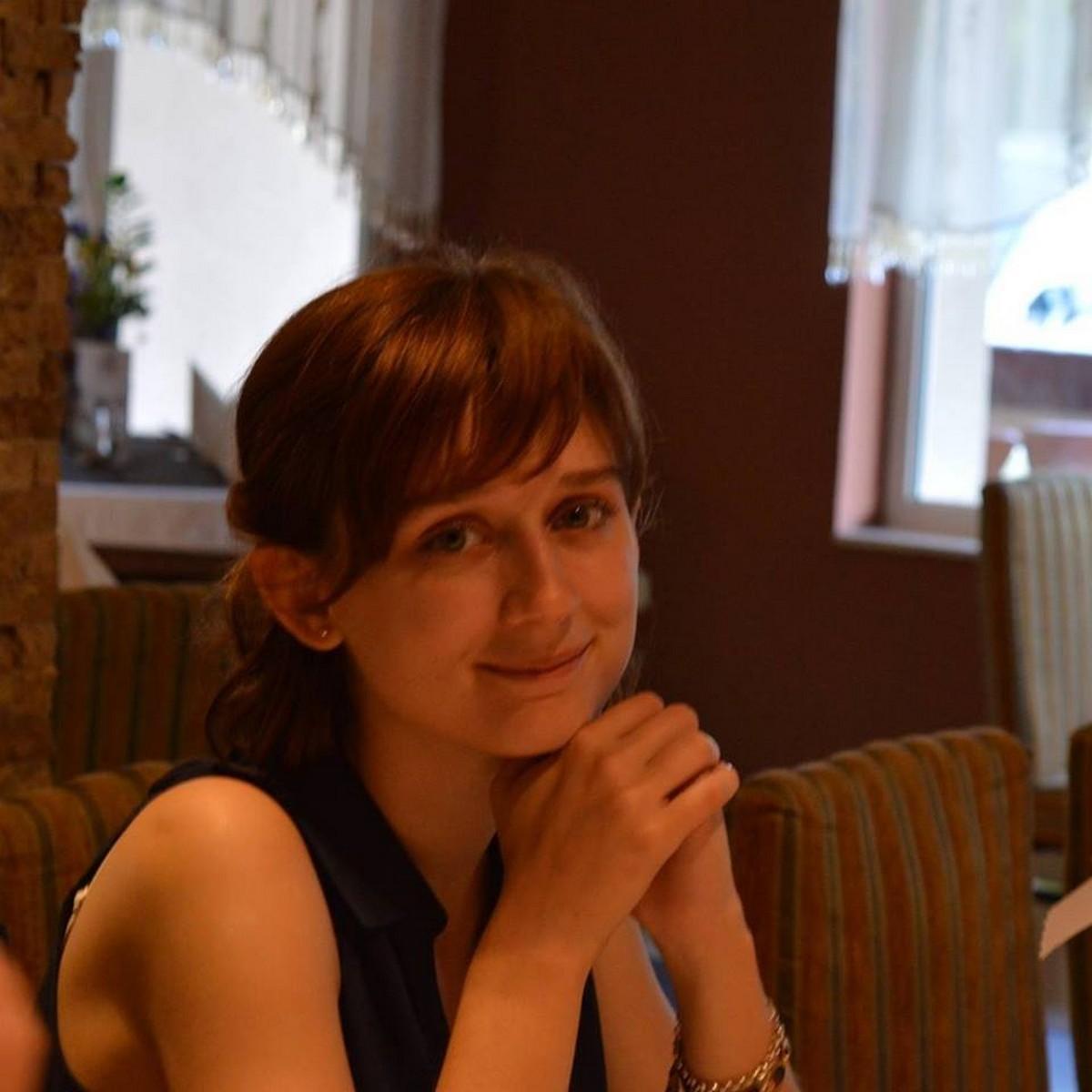 Bese Bernadett novellája Szőrös Kő Online-on