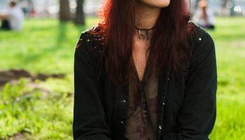 A sárga téboly – Kopriva Nikolett versei a Debütben