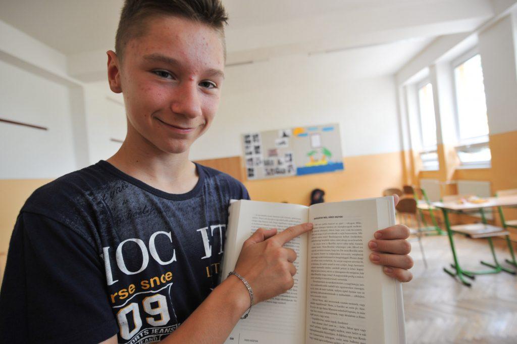 Irodalmi Karaván a Felvidéken: rendhagyó irodalomóra a Gímesi Alapiskolában (galéria)