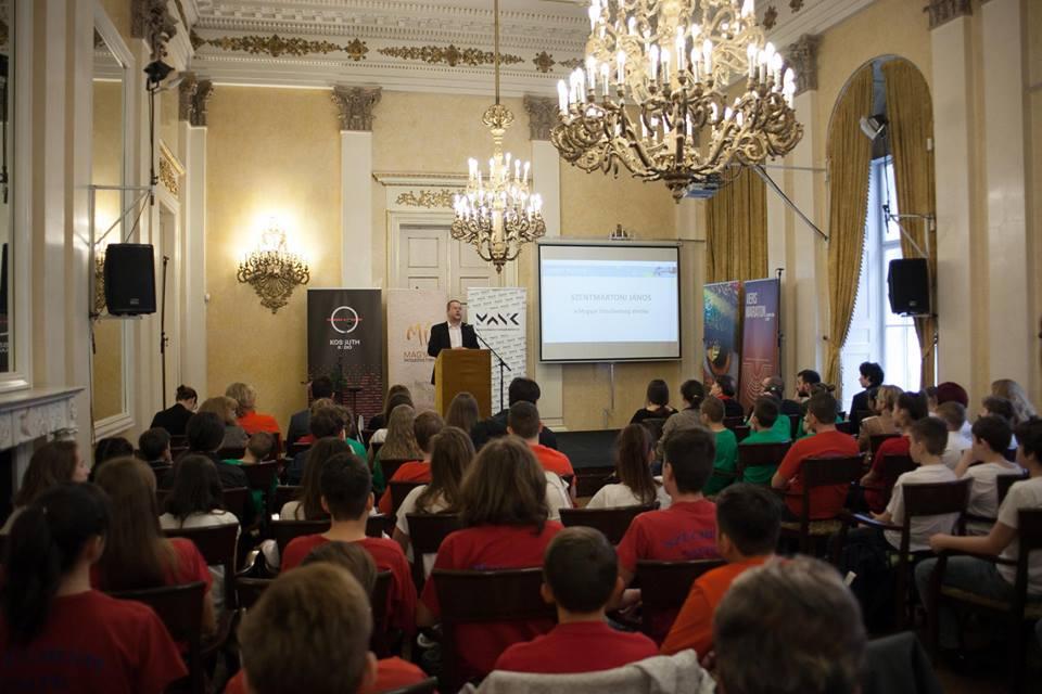 Versmaraton – a Előretolt Helyőrség Íróakadémia tagjainak részvételével