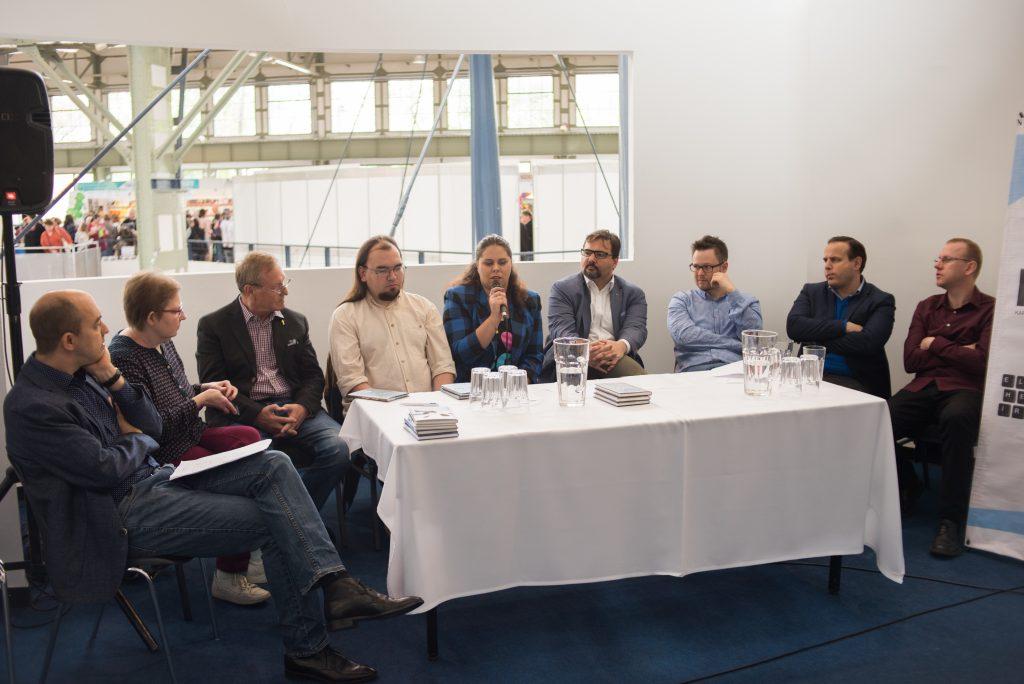 Az Előretolt Helyőrség Íróakadémia a 26. Budapesti Nemzetközi Könyvfesztiválon (galéria)